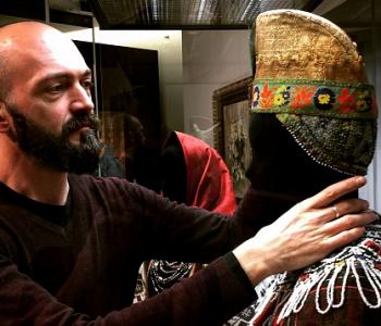 Лекция «Дендизм русской деревни: из истории традиционного мужского костюма»