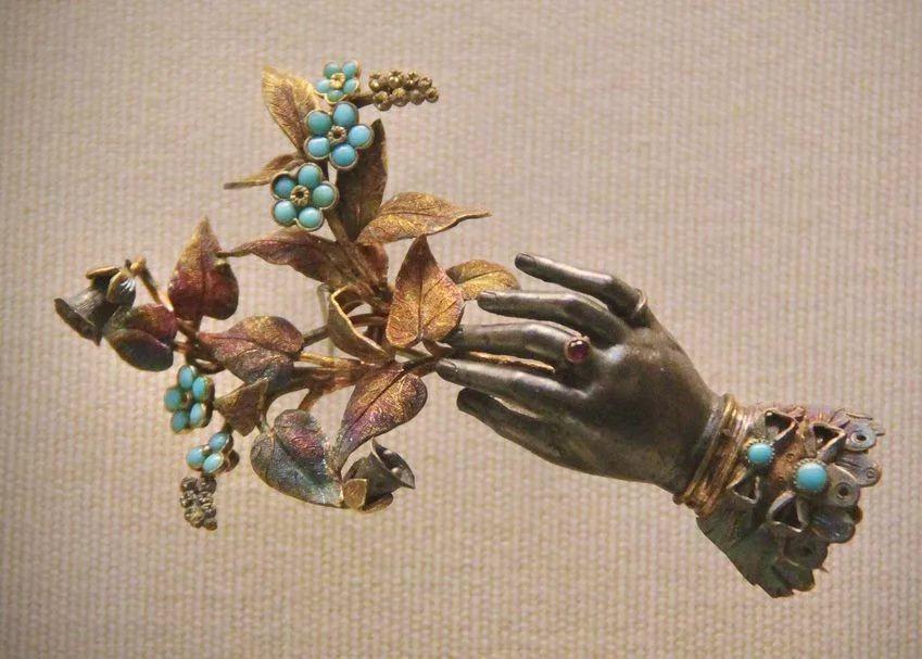 Ярмарка «Антиквариат и винтаж на Кристалле»