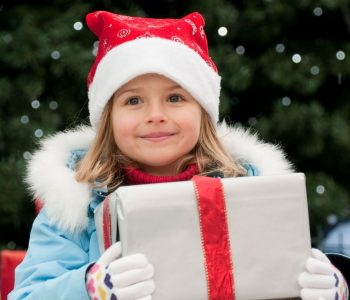 Рождественская арт-ярмарка подарков «HAPPY MARKET»