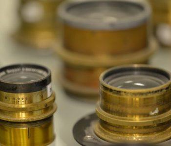 Фотовыставка «Эволюция фотооптики за 130 лет»