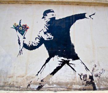 В Москве покажут работы легендарного стрит-арт художника Бэнкси