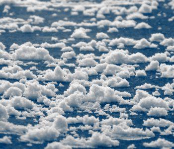 """Женя Миронов: """"Нам нужно учиться свободе у облаков"""". Интервью о выставке """"Облакачивание"""""""