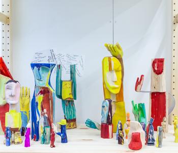 Мастерские музея «Гараж» на ВДНХ: что вдохновляет художников и над чем они работают