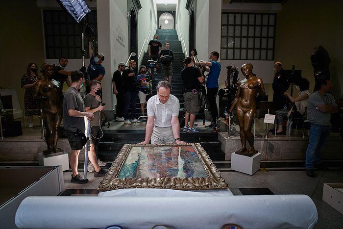 В Пушкинском музее стартовал проект по изучению и консервации картины Винсента ван Гога «Красные виноградники в Арле. Монмажур»